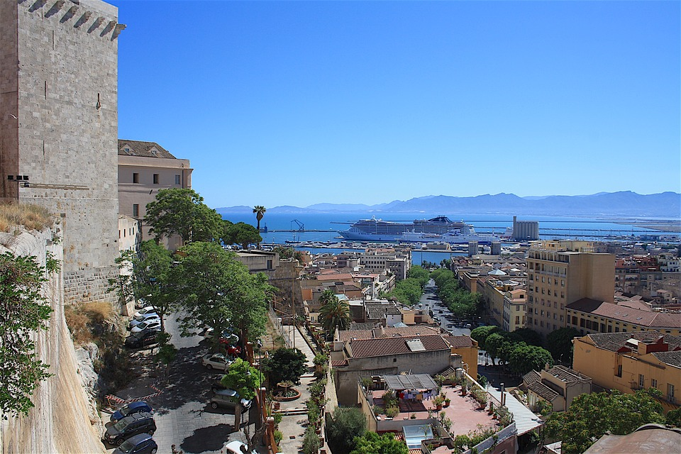Noleggio Barche Cagliari - Navalia | Noleggia un Sogno