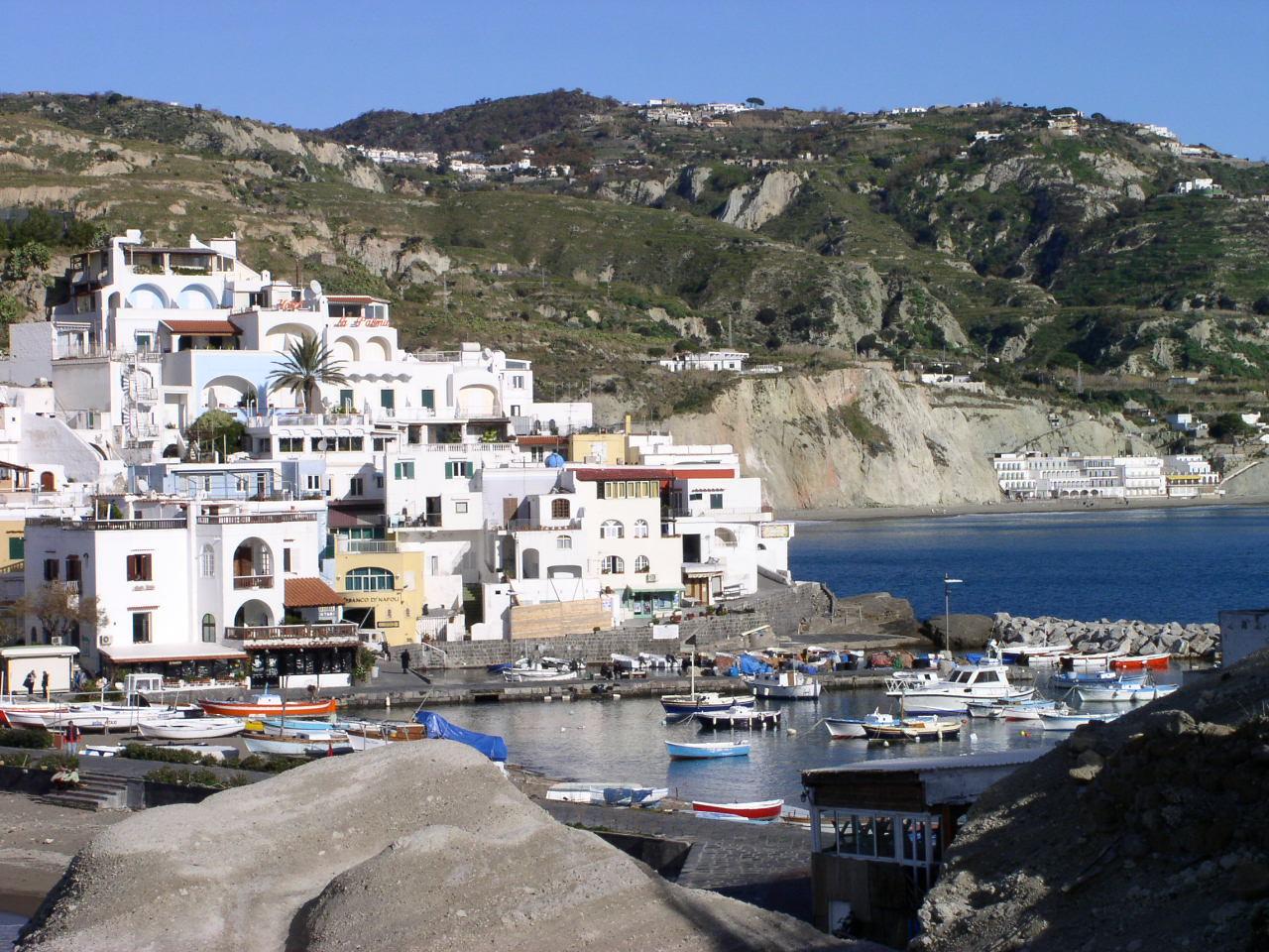 Noleggio Barche Ischia - Navalia | Noleggia un Sogno