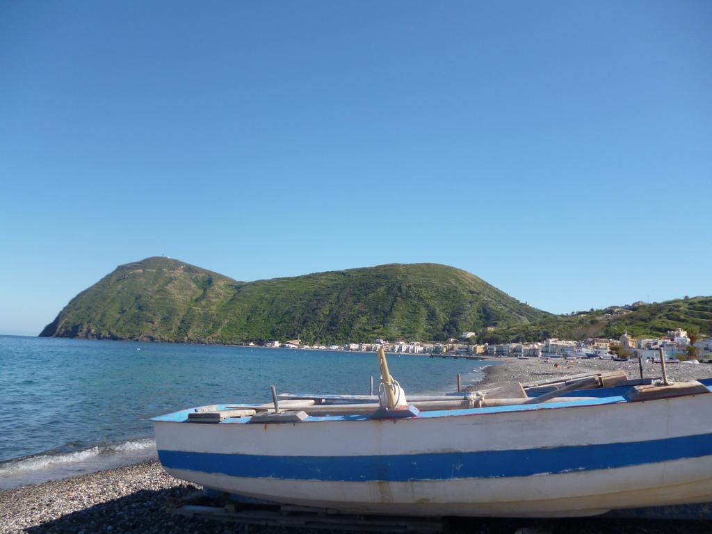 Noleggio Barche Lipari - Navalia | Noleggia un Sogno