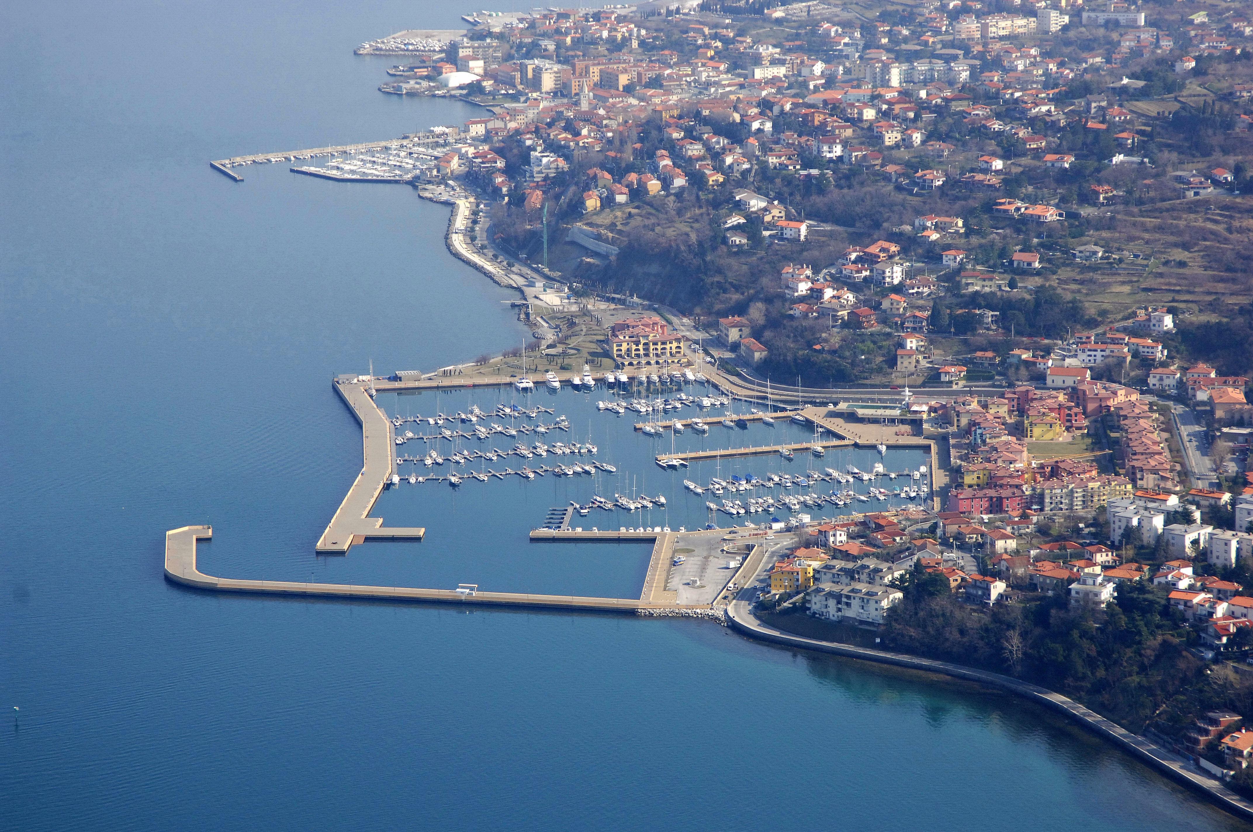 Noleggio Barche Porto San Rocco - Navalia | Noleggia un Sogno