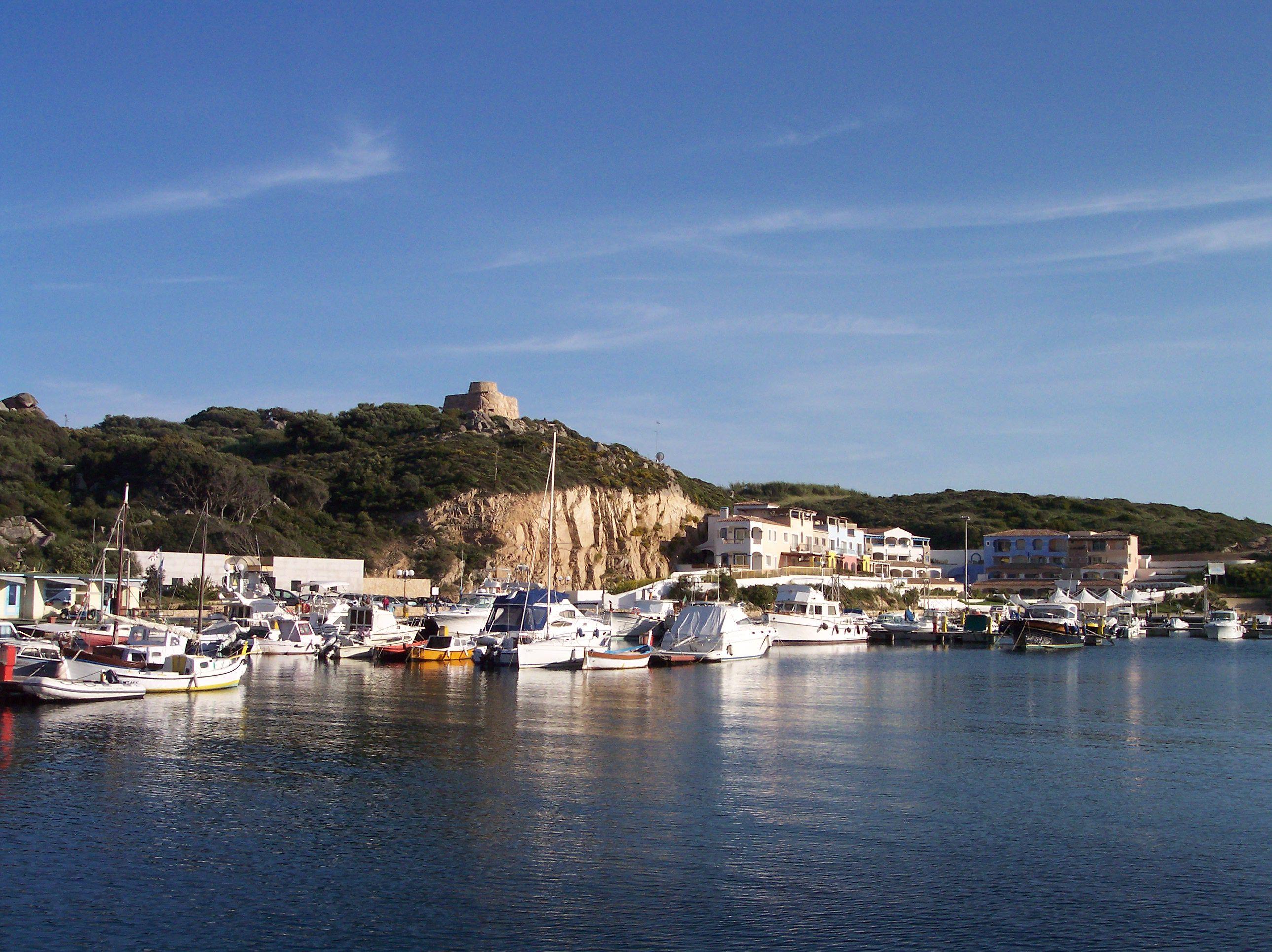Noleggio Barche Santa Teresa di Gallura - Navalia | Noleggia un Sogno