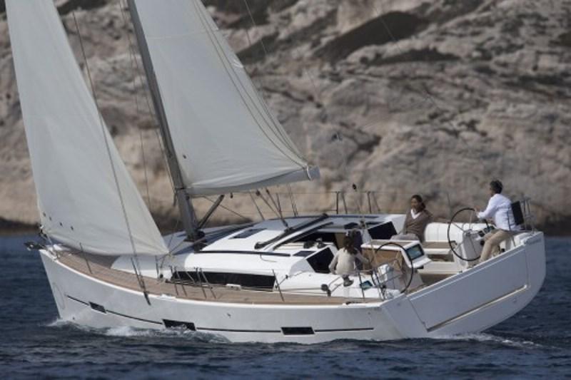 Navalia - Imbarcazione Dufour 412 1