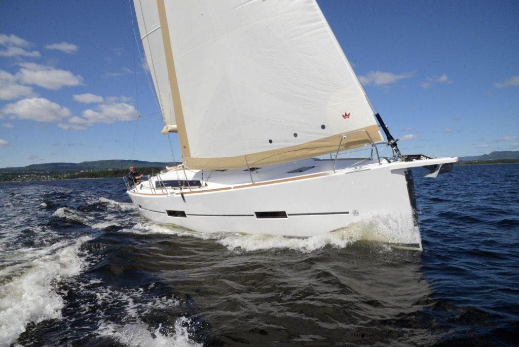 Navalia - Imbarcazione Dufour 412 3