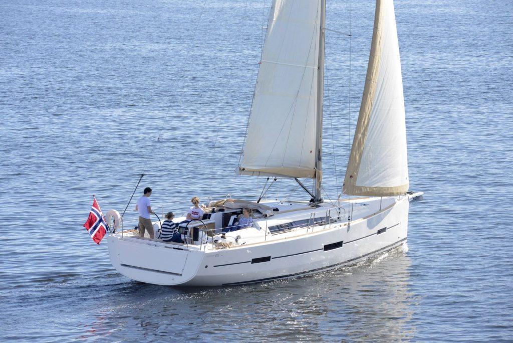 Navalia - Imbarcazione Dufour 412 5