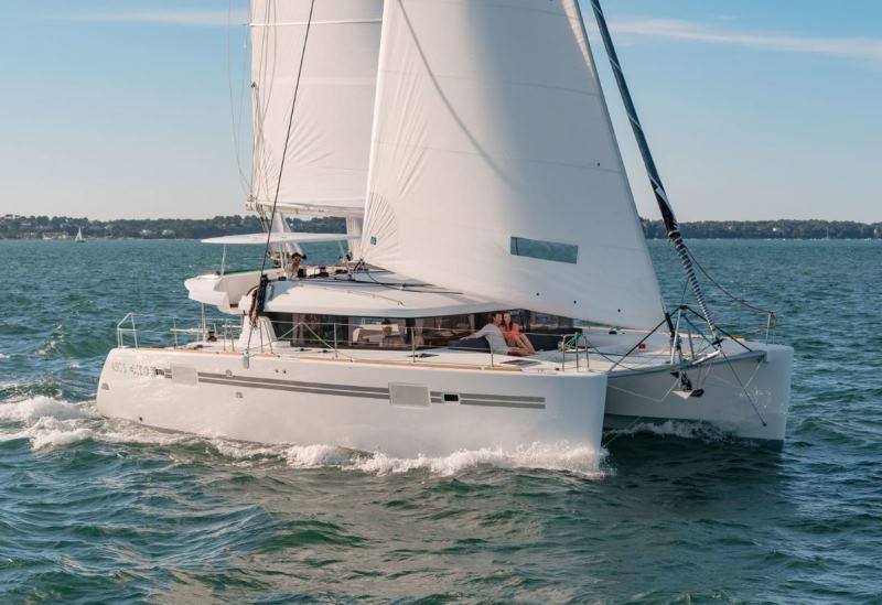 Navalia - Imbarcazione Lagoon 450 Sport Top 2