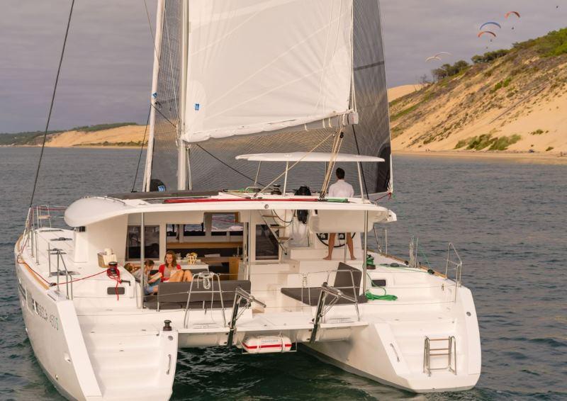 Navalia - Imbarcazione Lagoon 450 Sport Top 4