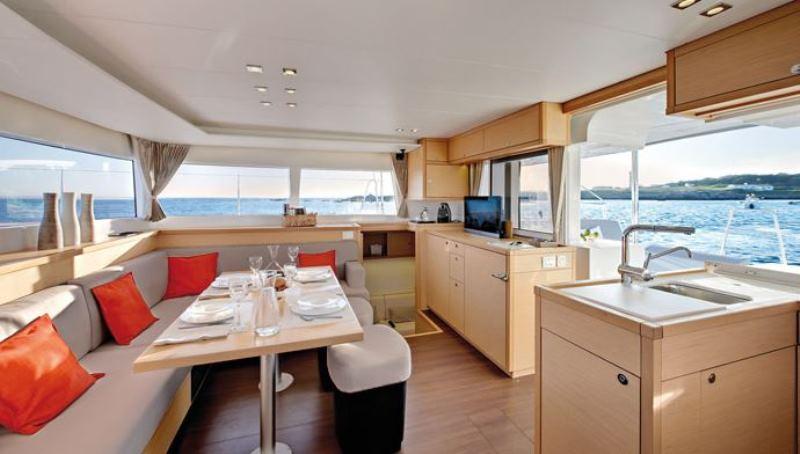 Navalia - Imbarcazione Lagoon 450 Sport Top 7