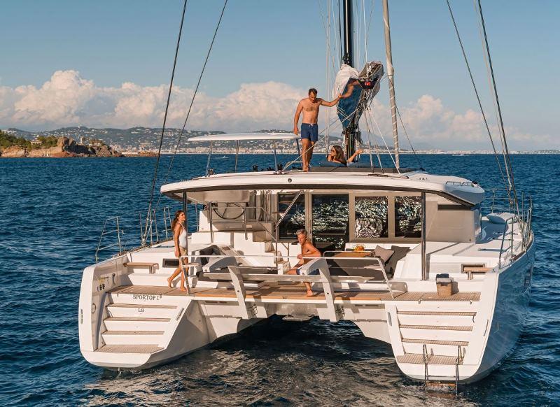 Navalia - Imbarcazione Lagoon 52 Sport Top 3
