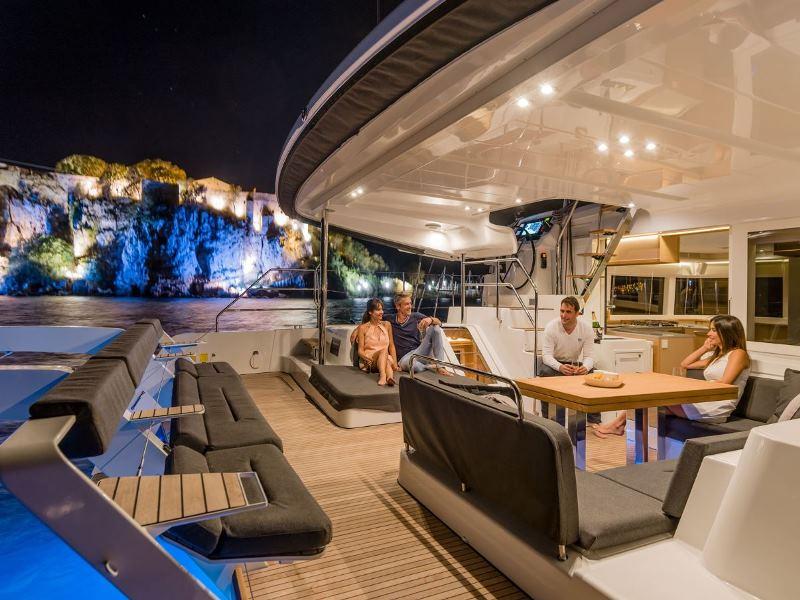 Navalia - Imbarcazione Lagoon 52 Sport Top 6