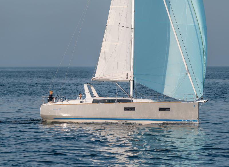 Navalia - Imbarcazione Oceanis 38 2