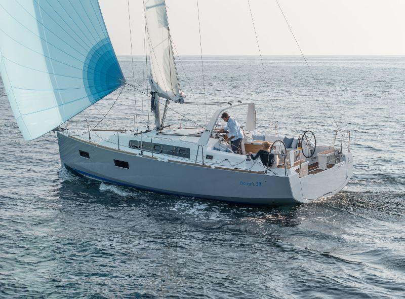 Navalia - Imbarcazione Oceanis 38 3