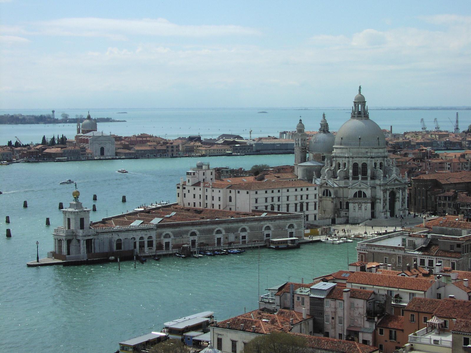 Noleggio Barche Venezia - Navalia | Noleggia un Sogno