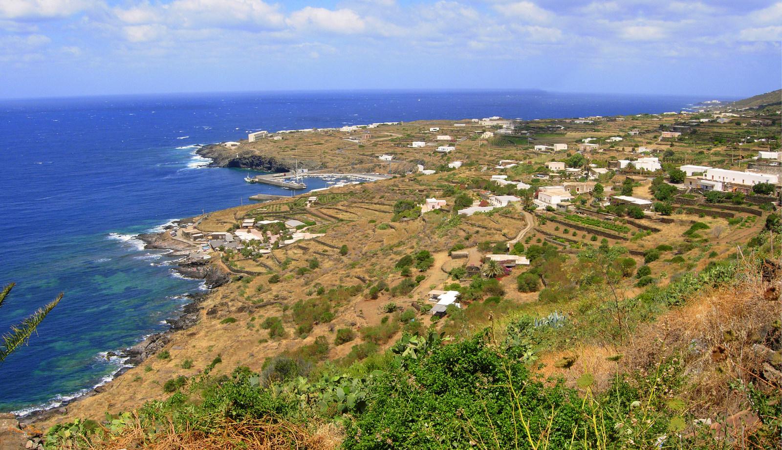 Noleggio Barche Pantelleria – Isola di Pantelleria - Navalia | Noleggia un Sogno