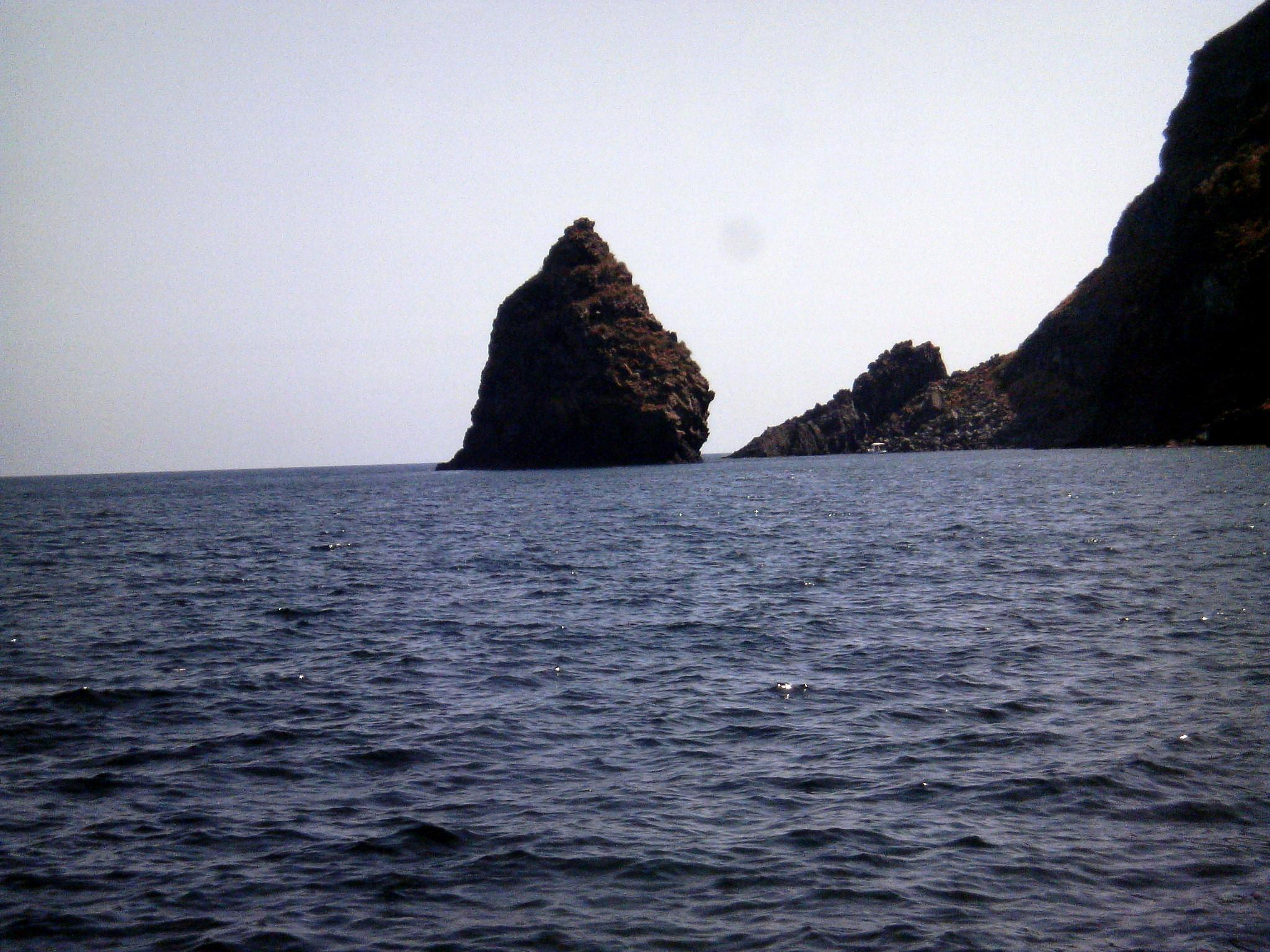 Noleggio Barche Tracino – Isola di Pantelleria - Navalia | Noleggia un Sogno