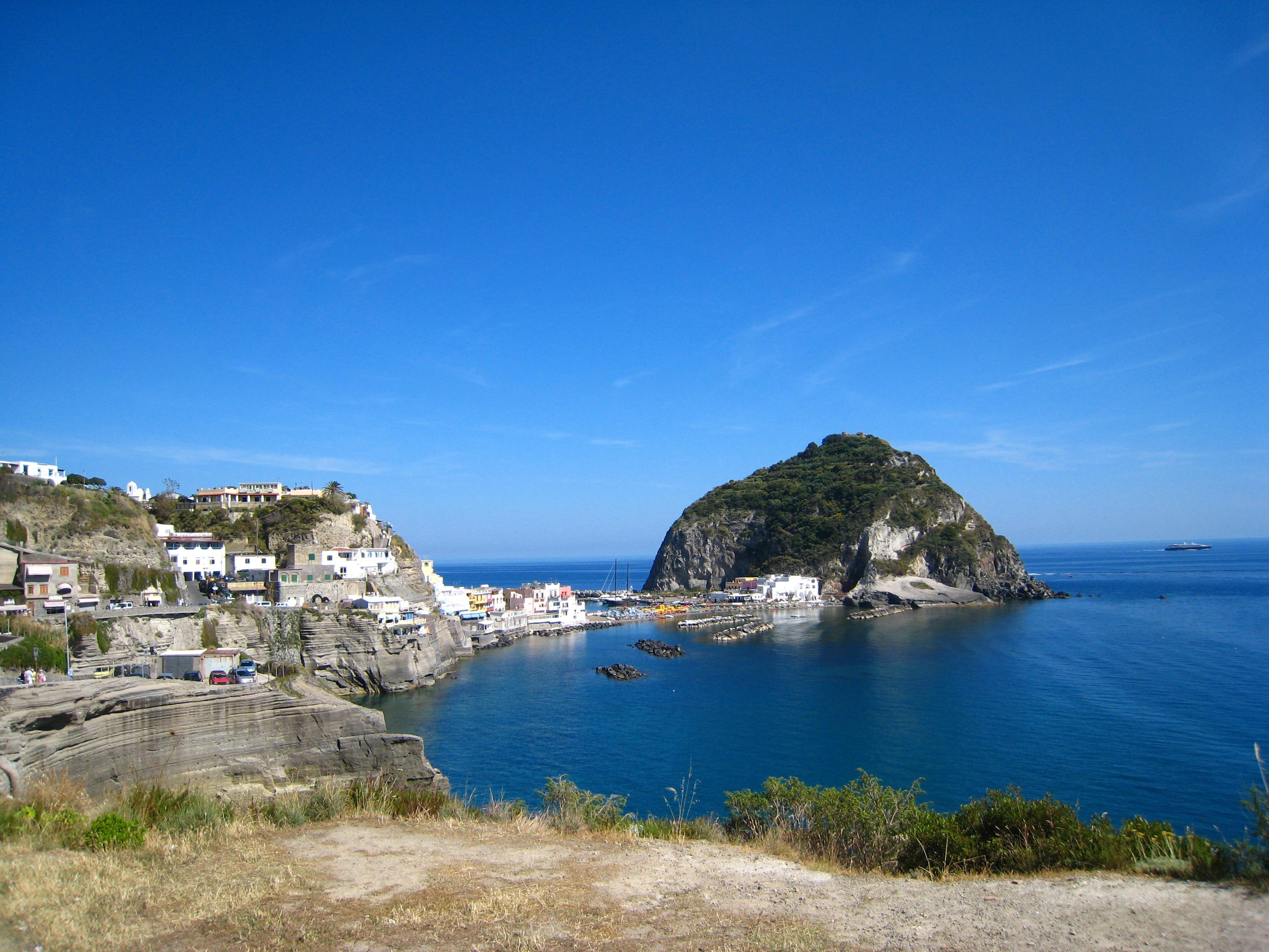 Noleggio Barche Sant'Angelo d'Ischia - Navalia | Noleggia un Sogno