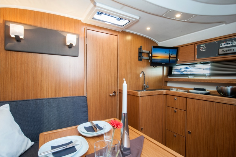 Navalia - Imbarcazione Bavaria Sport 35 HT 7