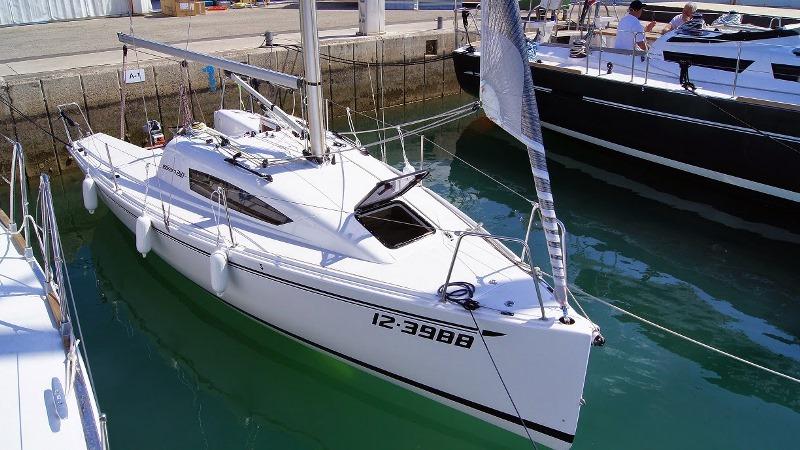 Navalia - Imbarcazione Elan 210 3
