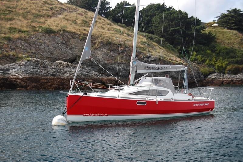 Navalia - Imbarcazione Malango 9.99 1
