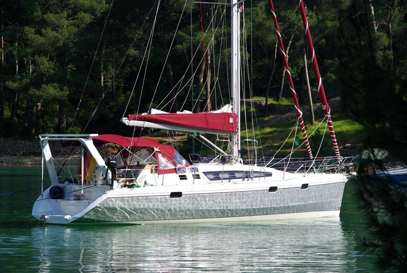 Navalia - Imbarcazione Ovni 445 2
