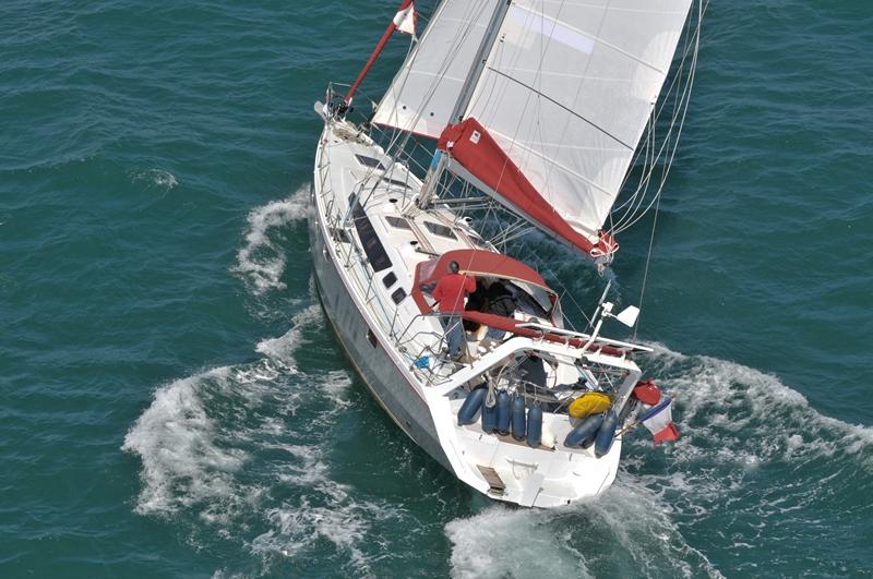 Navalia - Imbarcazione Ovni 445 7