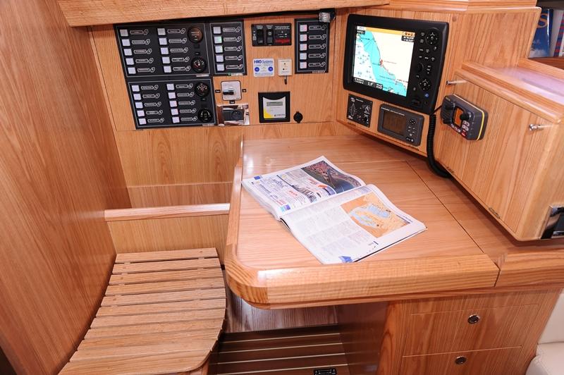 Navalia - Imbarcazione Ovni 445 9