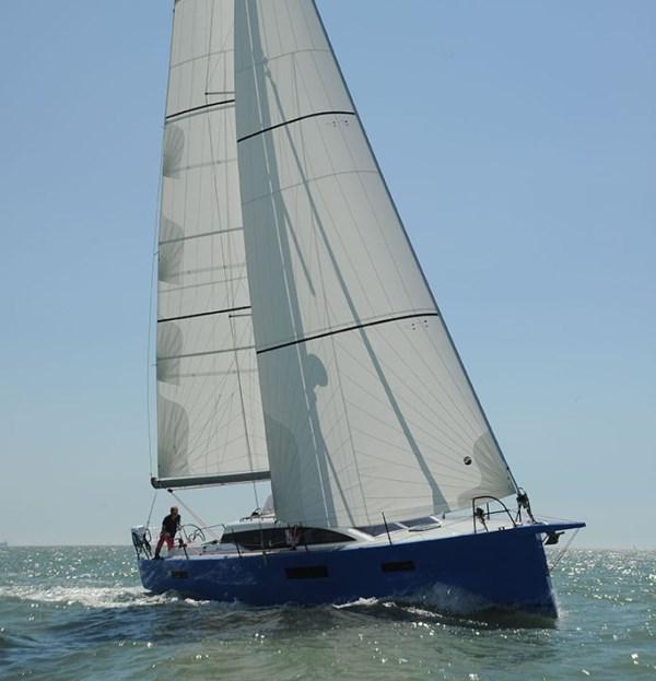 Navalia - Imbarcazione RM 1060 5