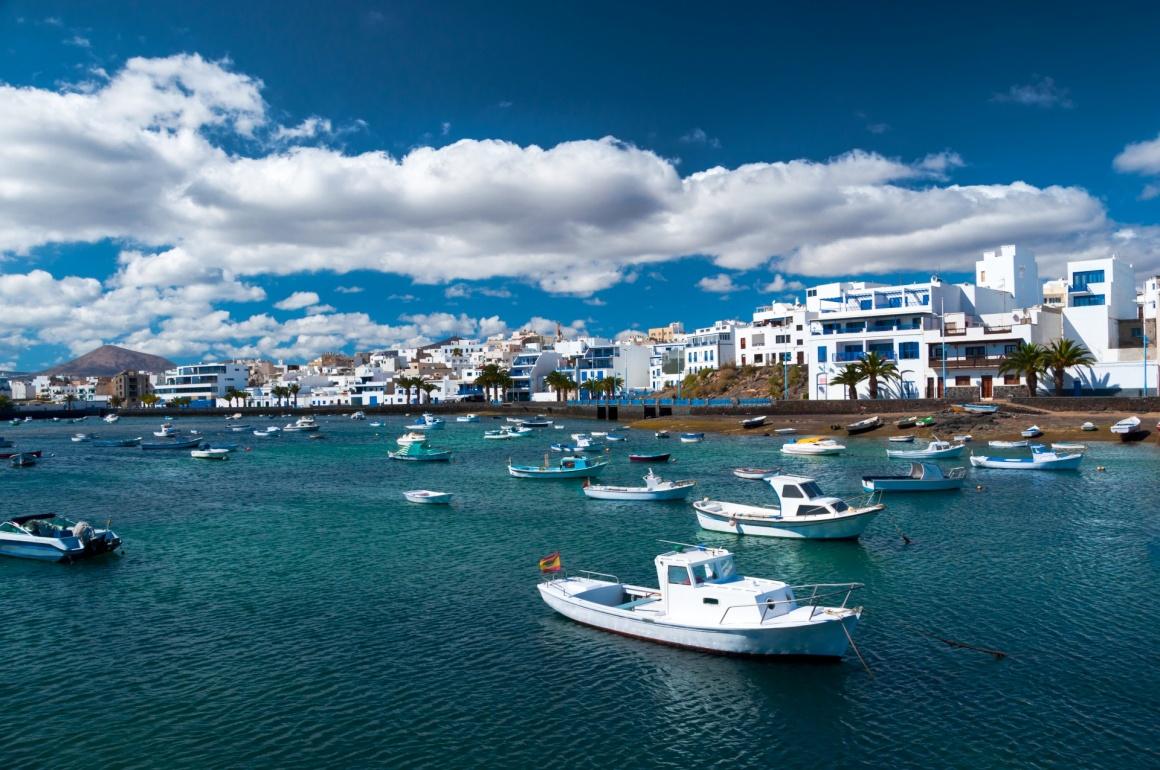 Noleggio Barche Arrecife – Isola di Lanzarote - Navalia | Noleggia un Sogno