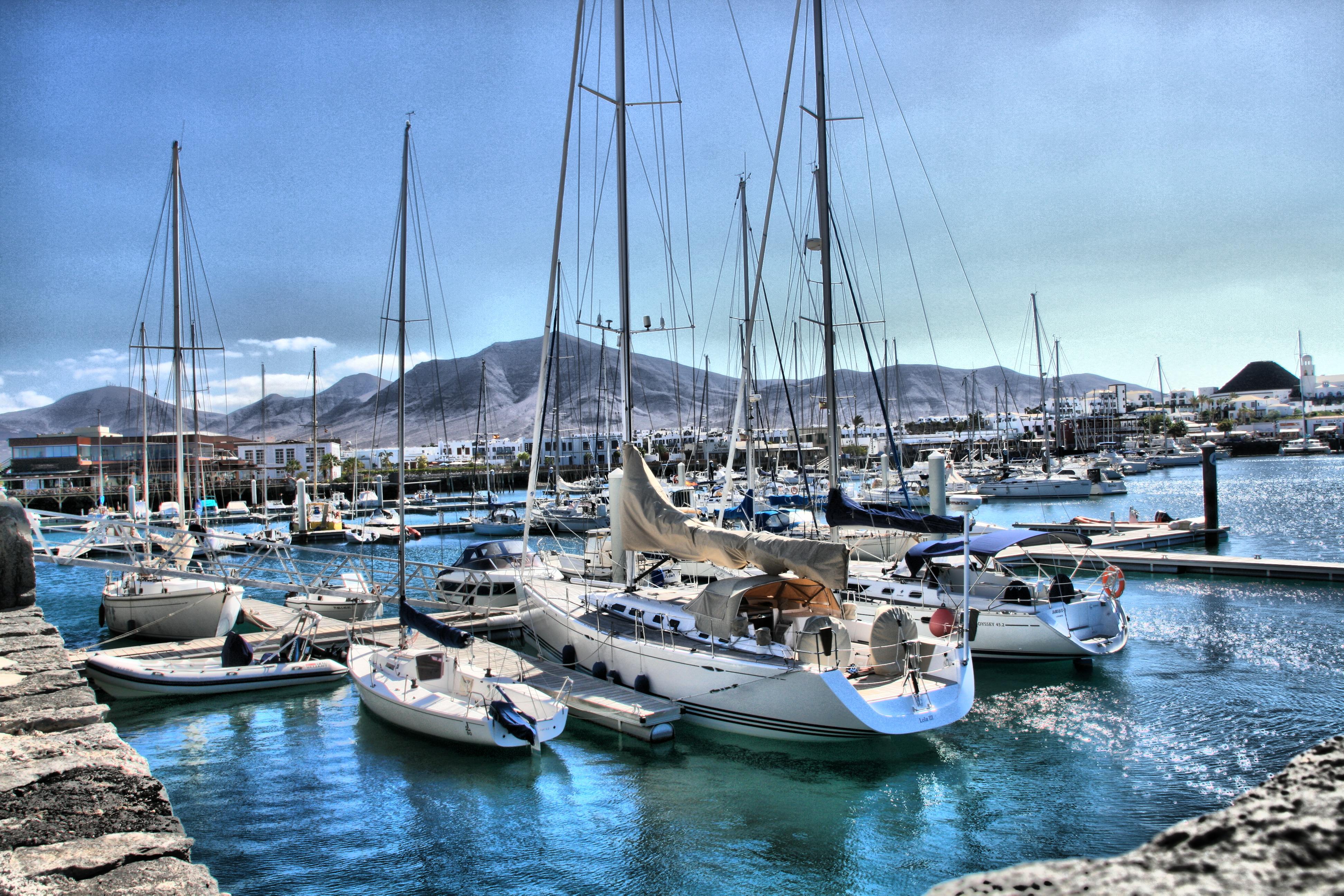 Noleggio Barche Marina Rubicon – Isola di Lanzarote - Navalia | Noleggia un Sogno