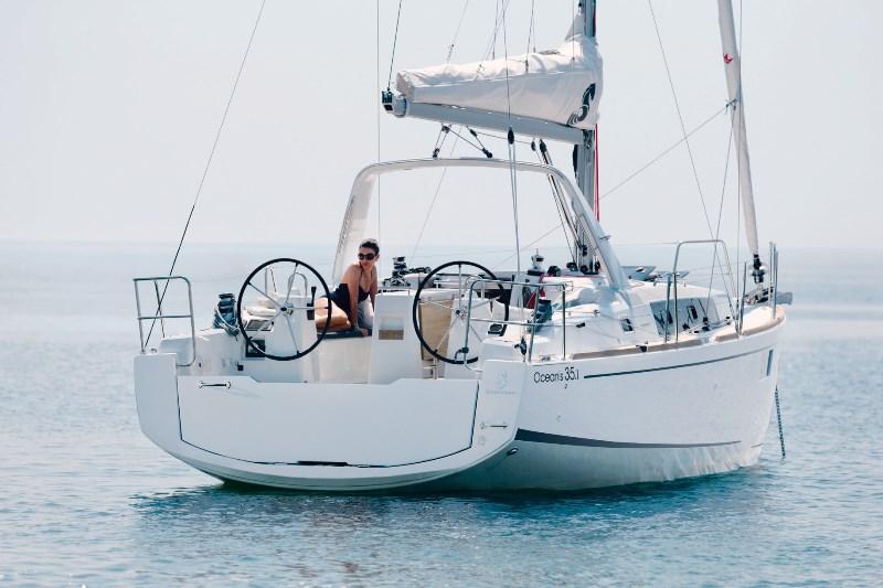Navalia - Imbarcazione Oceanis 35.1 3