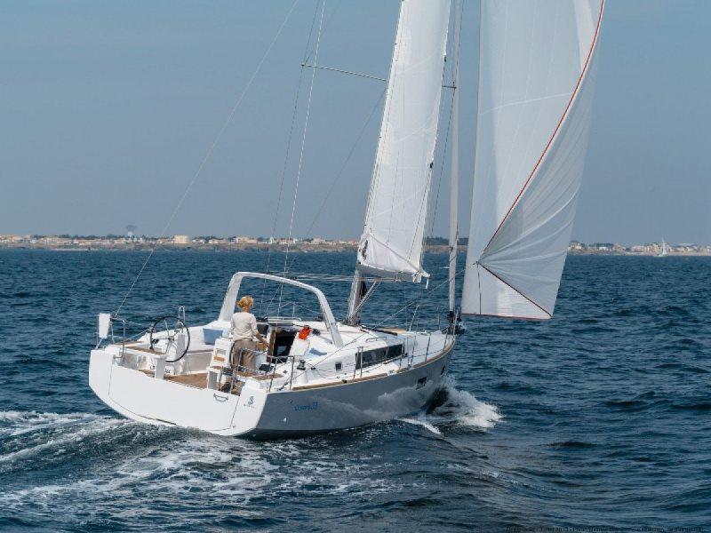 Navalia - Imbarcazione Oceanis 38.1 2