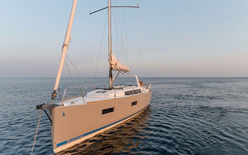Navalia - Imbarcazione Oceanis 38.1 4