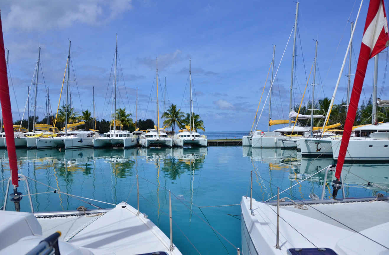 Noleggio Barche Apooiti Marina - Navalia | Noleggia un Sogno