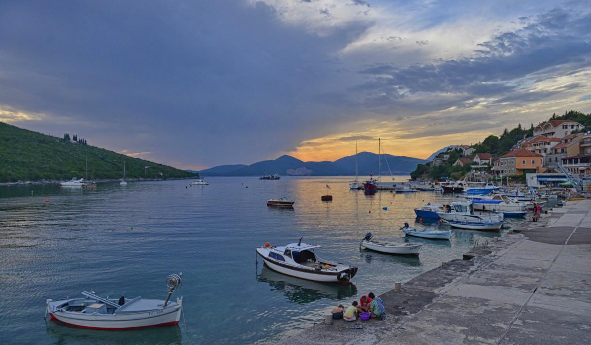 Noleggio Barche Bigova - Navalia | Noleggia un Sogno