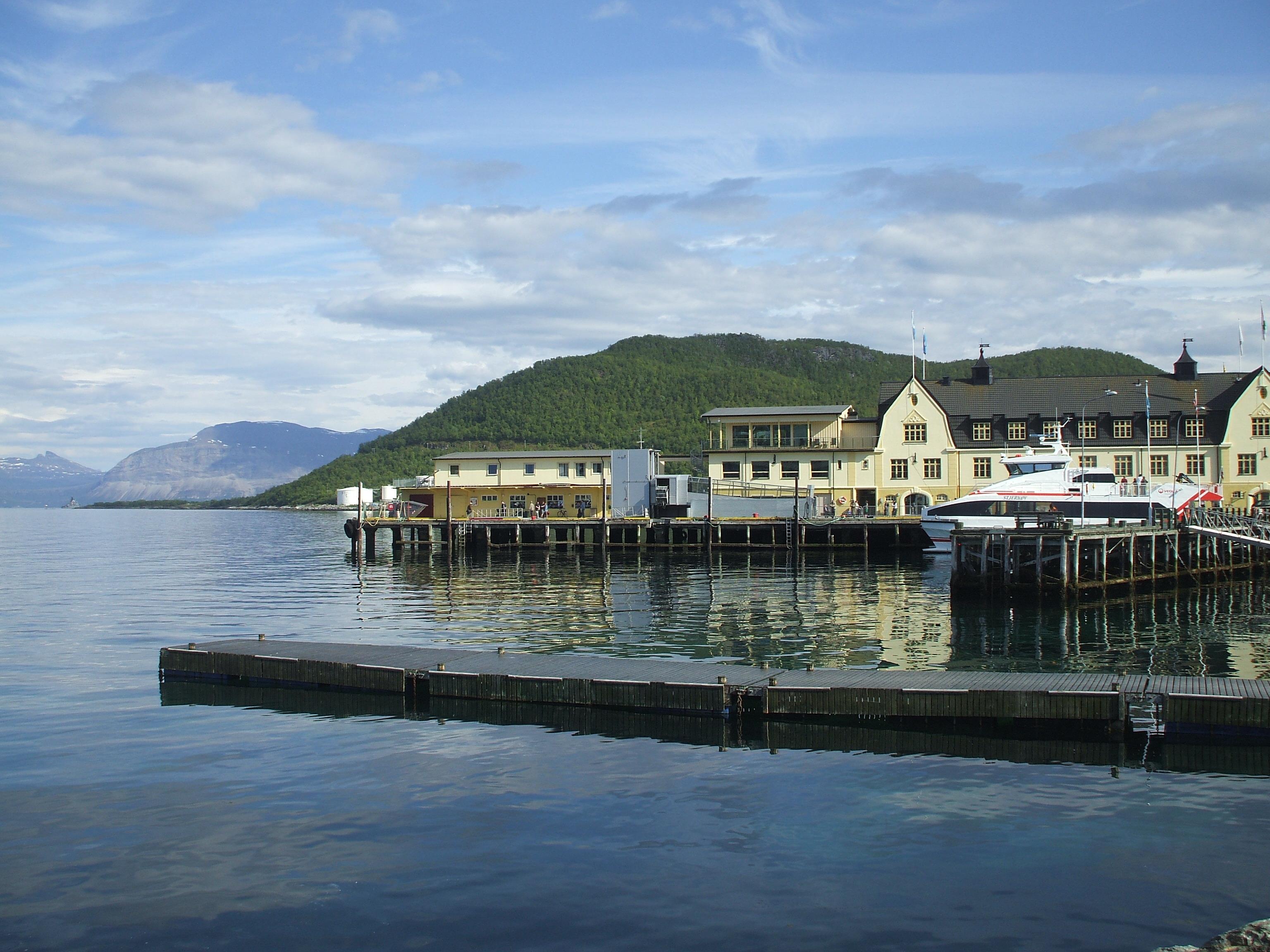 Noleggio Barche Lyngvær - Navalia | Noleggia un Sogno
