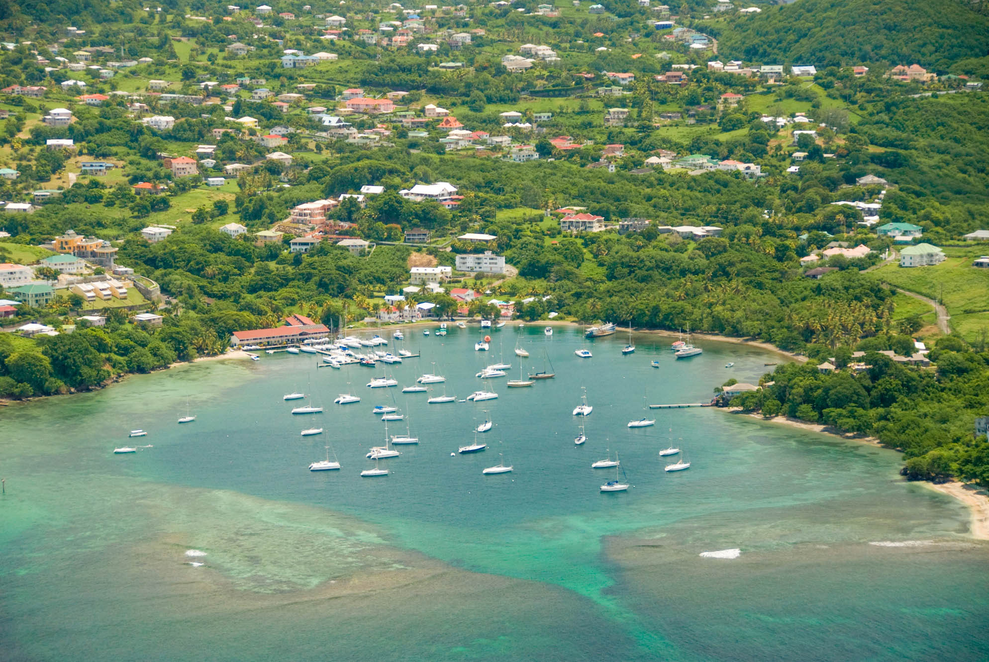 Noleggio Barche Blue Lagoon – Isola di St. Vincent - Navalia | Noleggia un Sogno