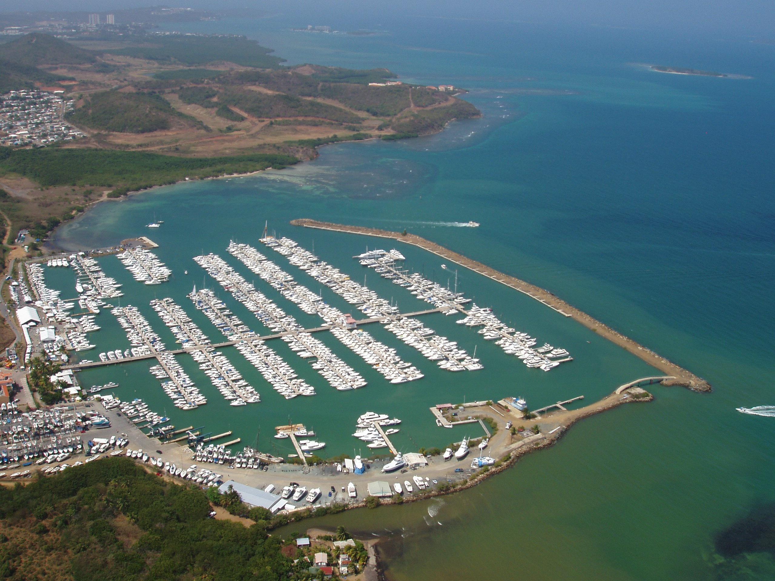 Noleggio Barche Puerto del Rey – Porto Rico - Navalia | Noleggia un Sogno