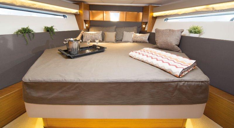 Navalia - Imbarcazione Bavaria 400 Coupe 11