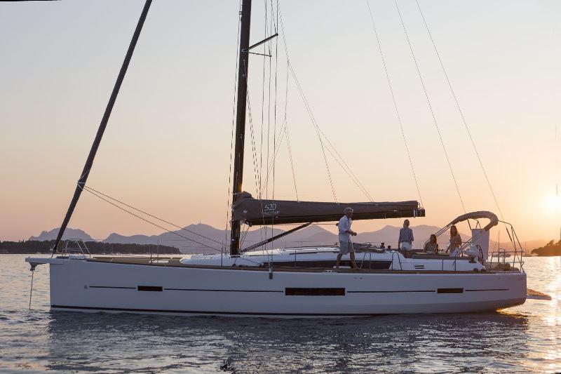 Navalia - Imbarcazione Dufour 520 2