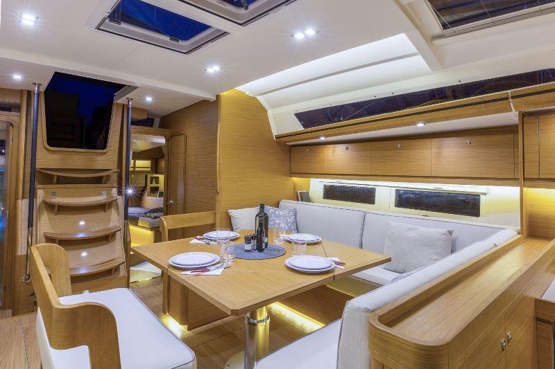 Navalia - Imbarcazione Dufour 520 7