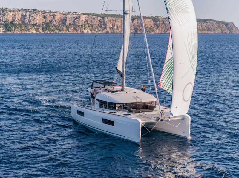 Navalia - Imbarcazione Lagoon 40 2