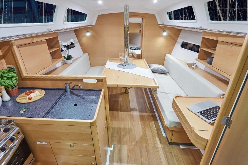 Navalia - Imbarcazione Sun Odyssey 319 7