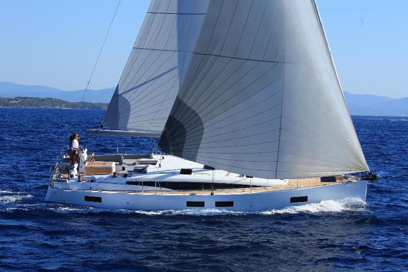 Navalia - Imbarcazione Jeanneau 51 2