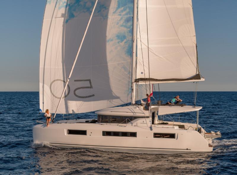 Navalia - Imbarcazione Lagoon 50 Fly 1