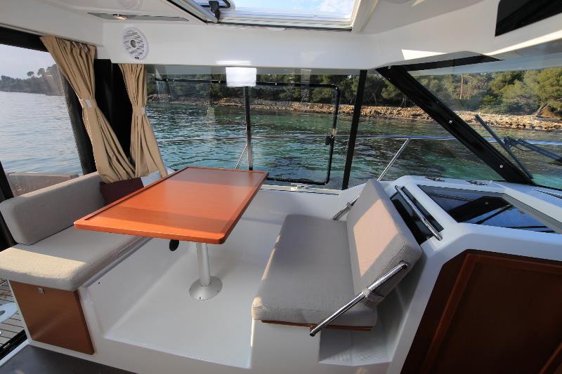 Navalia - Imbarcazione Merry Fisher 895 7