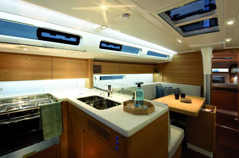 Navalia - Imbarcazione X-Yacht 4 8