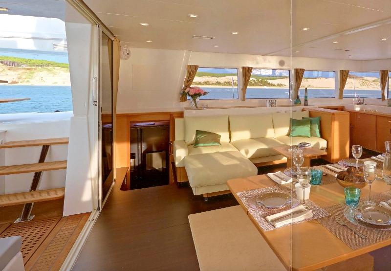 Navalia - Imbarcazione Lagoon 620 in Corsica 6