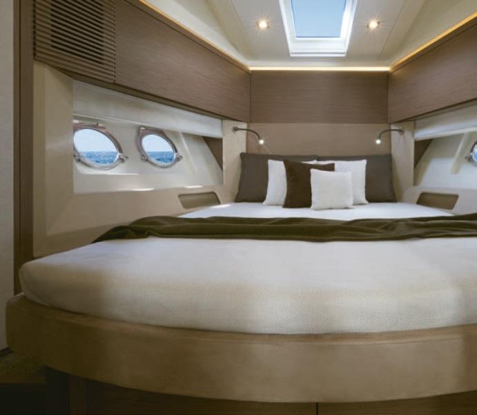 Navalia - Imbarcazione Monte Carlo 5 Fly 10