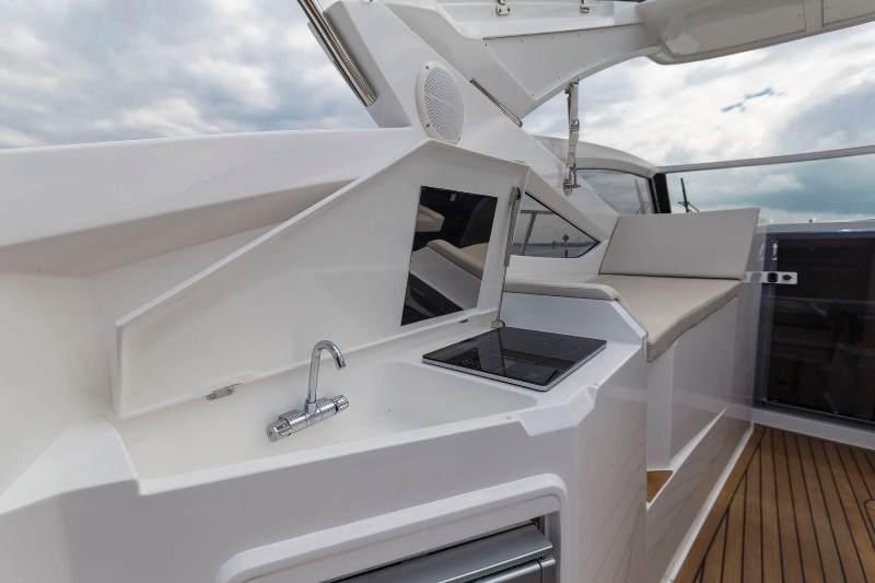 Navalia - Imbarcazione Galeon 305 Open 6