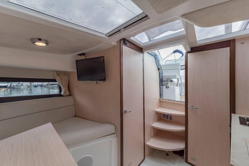 Navalia - Imbarcazione Galeon 305 Open 7