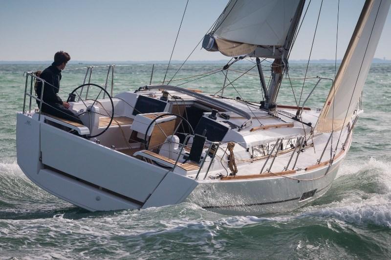 Navalia - Imbarcazione Dufour 360 GL 1